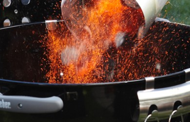 Le kit cheminée d'allumage pour barbecue Weber 47 cm – source photo @ weberstephen.fr